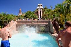 Torre da corrediça do poder em Siam Park em Costa Adeje em Tenerife Imagem de Stock