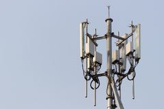 Torre da estação base do telefone celular imagens de stock