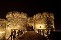 Torre da fortaleza de Kalemegdan com ponte imagens de stock