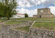 Torre da homenagem dentro do castelo na cidade de Abrantes, distrito de Santarem, Portugal imagem de stock royalty free