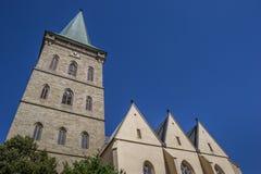 Torre da igreja do St Katharinen em Osnabruck fotografia de stock