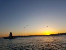 Torre da luz do sol do peru do kulesi do kiz de Istambul da água da elevação do amor Fotografia de Stock