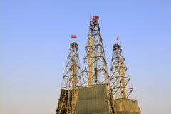 Torre da perfuração em uma mina do ferro Foto de Stock
