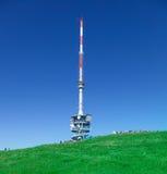Torre da telecomunicação na parte superior de Mt. Rigi Foto de Stock