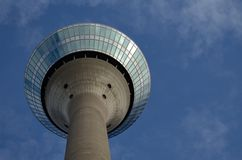 A torre da televisão em Dusseldorf Alemanha, foto de stock royalty free