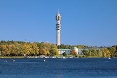 Torre da tevê de Kaknas (Kaknastornet) em Éstocolmo, Suécia foto de stock royalty free