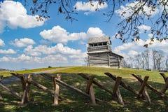 Torre da vigia na montanha de Groundhog - Ridge Parkway azul, Virgínia, EUA Fotos de Stock