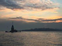 Torre das donzelas em Istambul Marco conhecido Istambul Turquia de bosporus da torre de Leanders Fotos de Stock