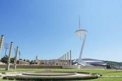 Torre das telecomunicações de Calatrava e Palau Sant Jordi imagens de stock