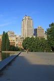 Torre de马德里大厦和Edificio西班牙(西班牙大厦)在马德里 库存照片