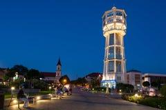 Torre de água de madeira velha em Siofok, Hungria fotos de stock royalty free