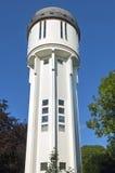 Torre de água holandesa antiga branca em Brielle Fotografia de Stock
