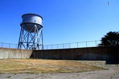 Torre de água na penitenciária federal da ilha de Alcatraz Fotografia de Stock Royalty Free