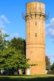 Torre de água velha histórica do tijolo, Cambridge, Nova Zelândia imagem de stock