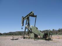 Torre de óleo no trabalho em Alberta, Canadá. fotos de stock royalty free
