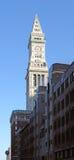 Torre de aduanas en cielo azul Fotos de archivo