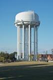 Torre de agua blanca imagen de archivo libre de regalías