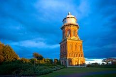 Torre de agua en región de Invercargill, Southland, Nueva Zelanda Imagen de archivo libre de regalías