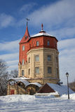 Torre de agua restablecida vieja fotos de archivo