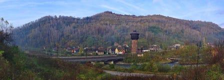 Torre de agua vieja en Petrosani, Rumania Fotografía de archivo