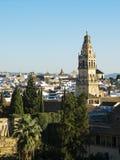 (Torre de Alminar en la catedral de la mezquita, Mezquita de Córdoba Anda Imagenes de archivo