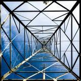 Torre de alto voltaje Imágenes de archivo libres de regalías