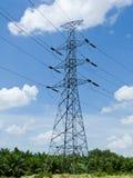 Torre de alto voltaje imagen de archivo libre de regalías