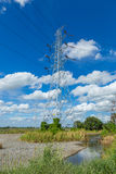 Torre de alto voltaje Fotos de archivo libres de regalías
