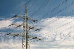 Torre de alto voltaje de la transmisión Imagen de archivo libre de regalías
