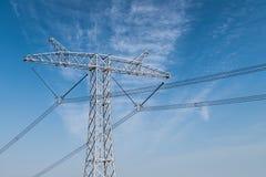 Torre de alto voltaje de la transmisión de poder fotografía de archivo libre de regalías
