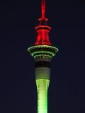 Torre de Auckland en la noche Foto de archivo