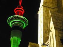 Torre de Auckland en la noche Imagenes de archivo