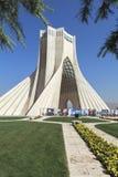 Torre de Azadi em Tehran, Irã fotografia de stock royalty free