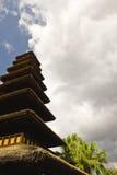 Torre de azoteas cubiertas con paja Fotos de archivo