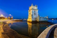 Torre de Belem en la noche fotografía de archivo