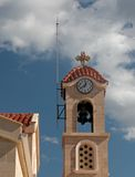 Torre de Bell de iglesia cristiana Imágenes de archivo libres de regalías