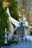 Torre de Bell do monastério santamente da caverna de Dormition perto de Bakhchisarai, Crimeia foto de stock