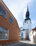 Torre de Bell de Saint Mary Cathedral, Tallinn imagens de stock