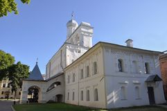 Torre de Bell de St Sophia Cathedral em Novgorod kremlin Veliky Novgorod imagem de stock royalty free