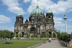 Torre de Berlin Cathedral y de Berlín TV imagen de archivo