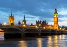 Torre de Big Ben e casas do parlamento no por do sol, Londres, Reino Unido fotos de stock