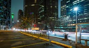 Torre de Calgary con el movimiento fotos de archivo