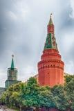 A torre de canto cênico de Arsenalnaya do Kremlin de Moscou, Russi Fotografia de Stock Royalty Free