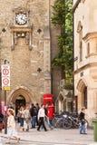 Torre de Carfax com um pulso de disparo em Oxford, Inglaterra Imagens de Stock