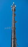 Torre de comunicaciones electrónicas de alta tecnología Imagenes de archivo