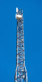 Torre de comunicaciones electrónicas de alta tecnología Fotos de archivo libres de regalías