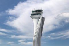 Torre de controlador aéreo do aeroporto novo de Istambul foto de stock royalty free