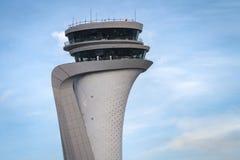 Torre de controlador aéreo do aeroporto novo de Istambul imagens de stock royalty free