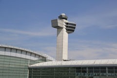 Torre de controlador aéreo en Juan F Kennedy International Airport Fotos de archivo libres de regalías