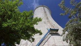 Torre de enfriamiento de una planta de refiner?a del al?mina metrajes